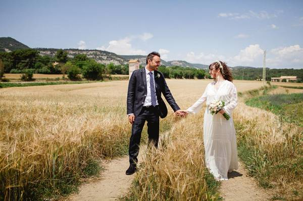 2e1ax_default_entry_newlyweds-countryside