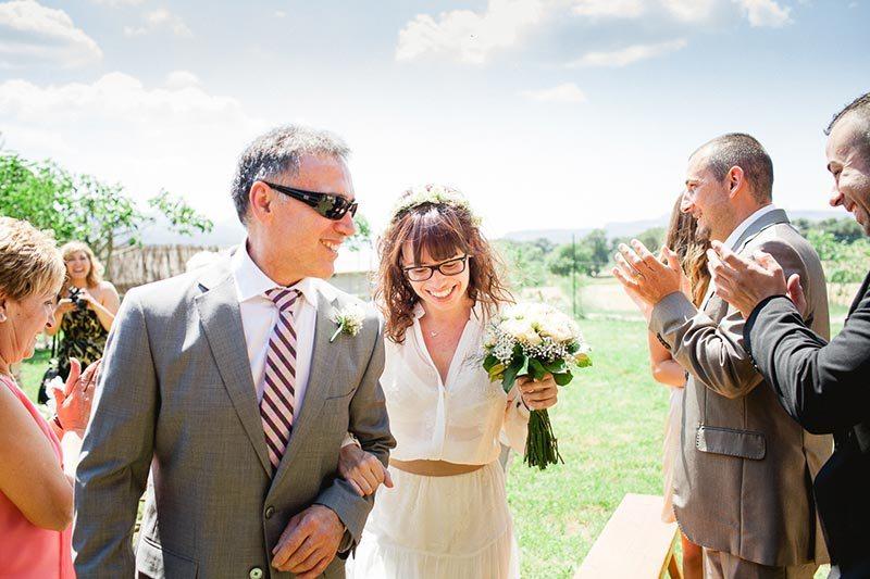 brides-entrance-eco-friendly-wedding