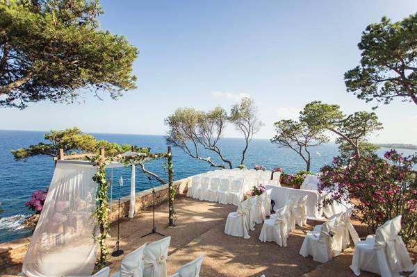 Top 2015 wedding destinations in spain crystal events 2e1axdefaultentrywedding destination barcelona junglespirit Image collections