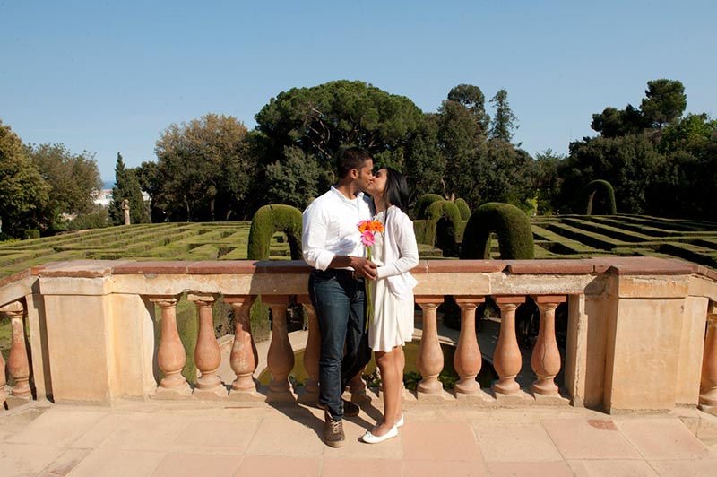 marriage-proposal-barcelona-park