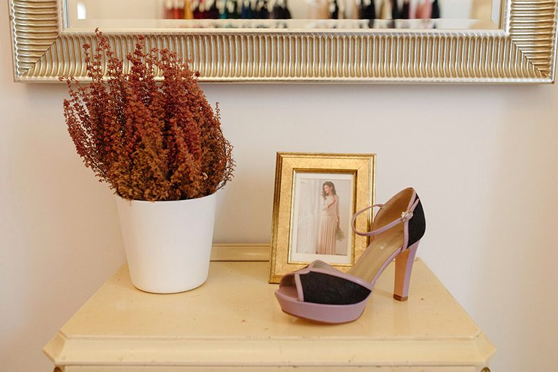 Shoes and photo at Mimetik BCN atelier