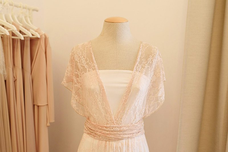 Convertible lace top at Mimetik BCN atelier