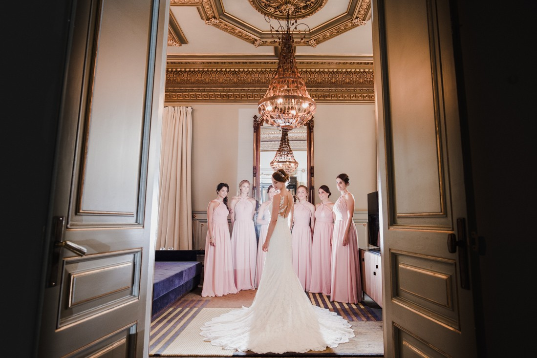 beauitufl bride and her bridal party