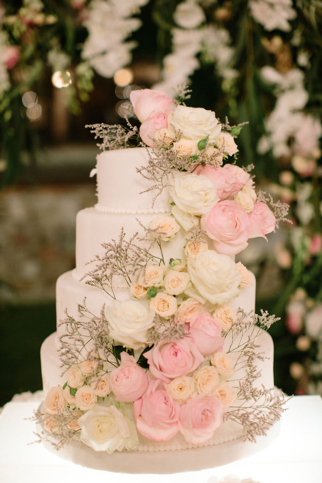 Lucury cake adorned with flowers