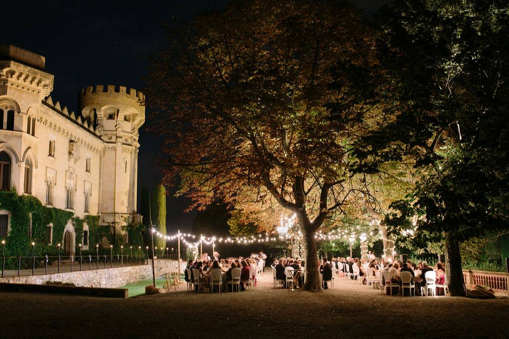 For the dinner, it was celebrated in front of the castle with the most beautiful of backdrops before this fun group moved inside to start the all-important party!