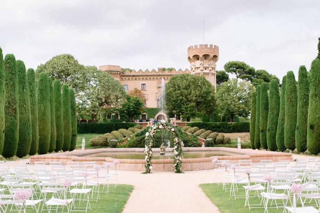 Ceremony at majestic Castel de Sant Marçal