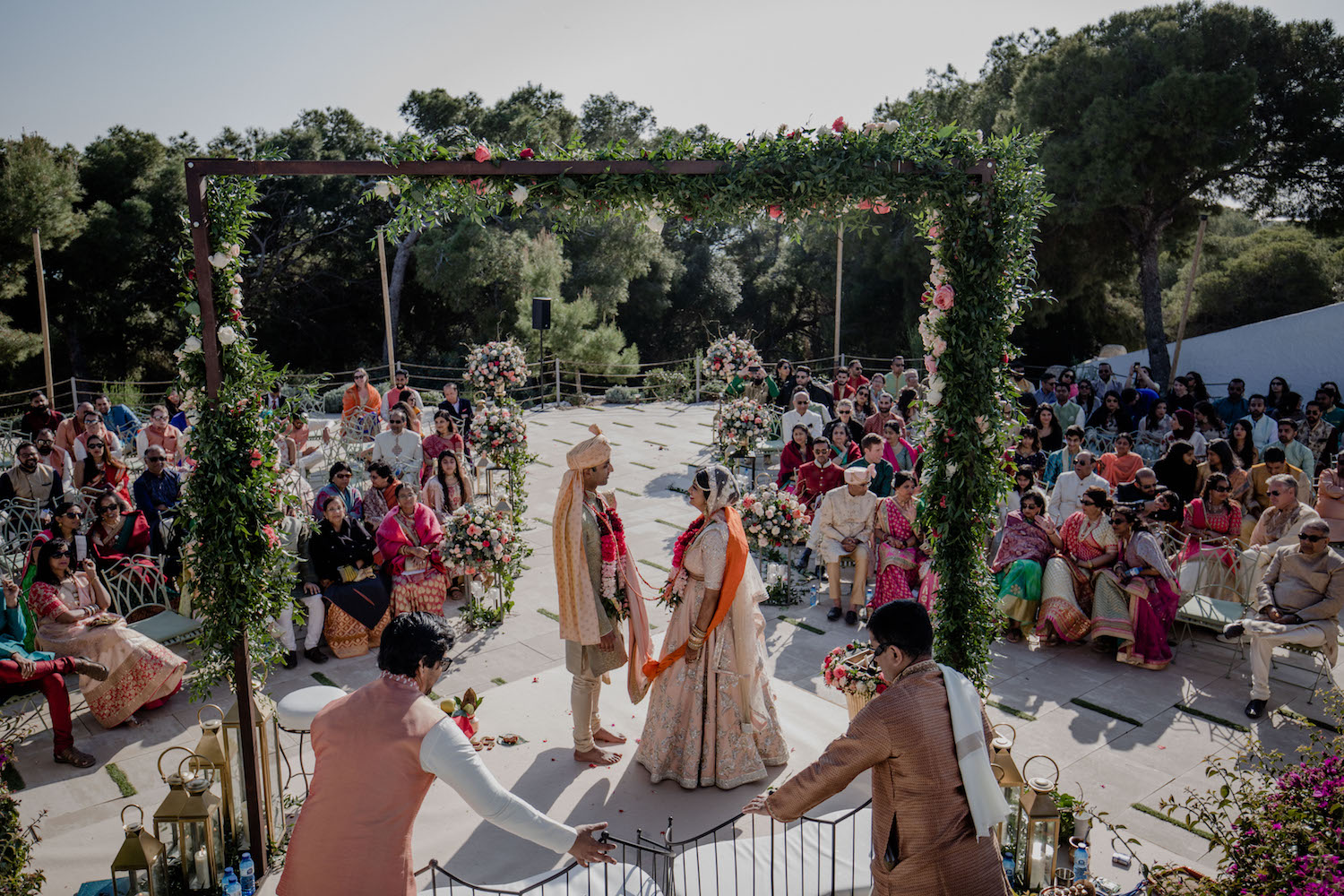 Hindu wedding by the sea in Sitges