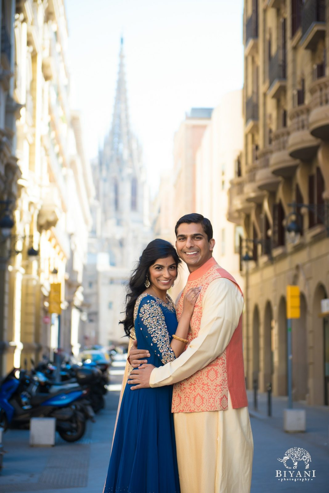 Couple in front of Barcelona Cathedral